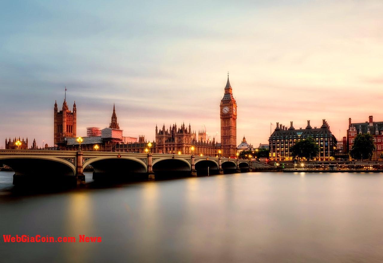 Ngân hàng Anh tìm cách tăng cường các quy định về tiền điện tử