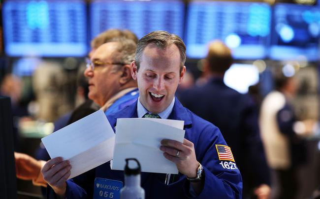 giá bitcoin: Nhà đầu tư được trấn an sau khi Mỹ và Trung Quốc sẵn sàng tái đàm phán, Dow Jones bật tăng gần 300 điểm