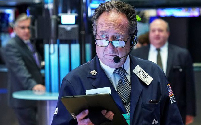 giá bitcoin: Kết thúc đà tăng liên tiếp trong 4 phiên, Dow Jones rớt gần 200 điểm