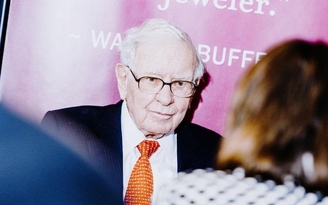 giá bitcoin: Tập đoàn của Warren Buffett đứng trước thế khó: Đối diện với một năm tồi tệ nhất kể từ 2009, quan điểm nhà đầu tư bị chia rẽ sâu sắc, người rút tiền, kẻ nghi ngại