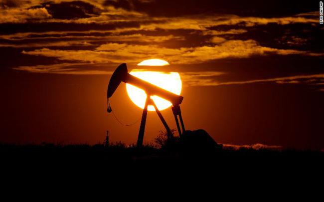 giá bitcoin: 1.100 công ty có thể phá sản, ngành dầu mỏ Mỹ như đang đối mặt với