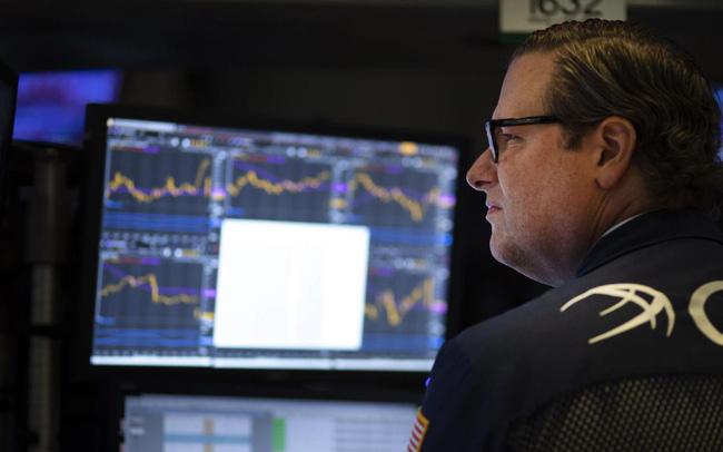 giá bitcoin: Lo ngại về thoả thuận giữa Mỹ và Trung Quốc bao trùm thị trường, Phố Wall giao dịch trong sắc đỏ