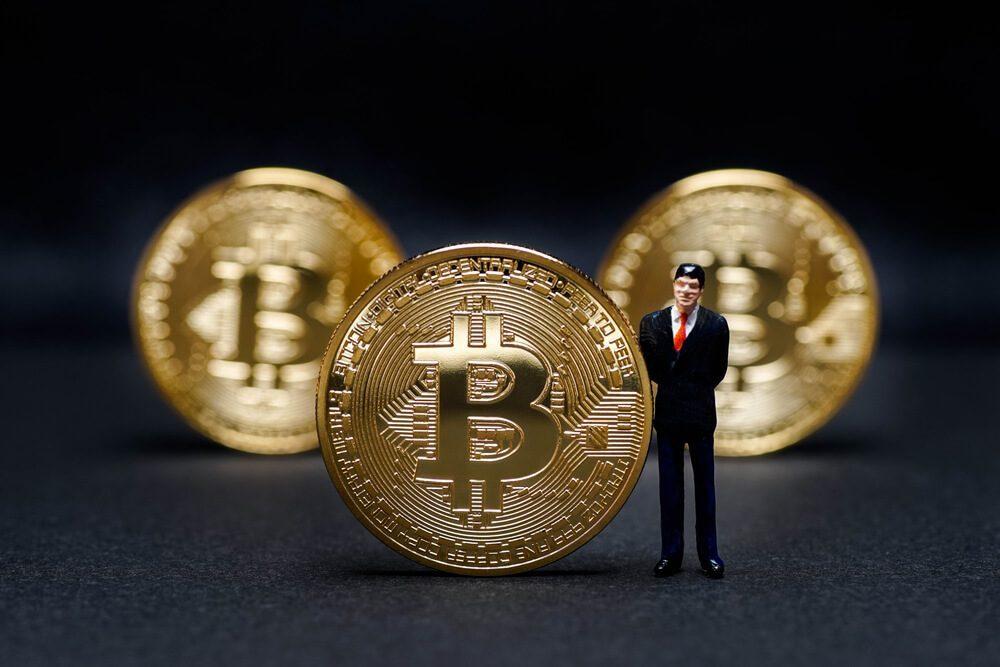 giá bitcoin: SEC tiếp tục hoãn binh, các đề xuất được dời ít nhất đến tháng Chín