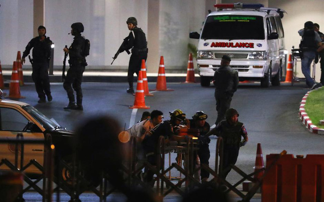 giá bitcoin: Hung thủ vụ thảm sát Thái Lan bị tiêu diệt trong trung tâm thương mại sau vụ xả súng làm ít nhất 21 người thiệt mạng