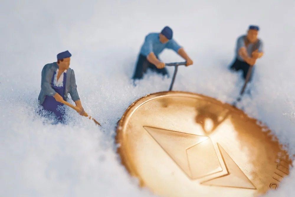 """giá bitcoin: Sốc: 33% tổng cung Ethereum hiện được nắm giữ bởi chỉ 376 """"cá voi"""""""