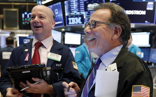 giá bitcoin: Phố Wall hy vọng Fed hạ lãi suất, Dow Jones tiếp tục tăng hơn 200 điểm