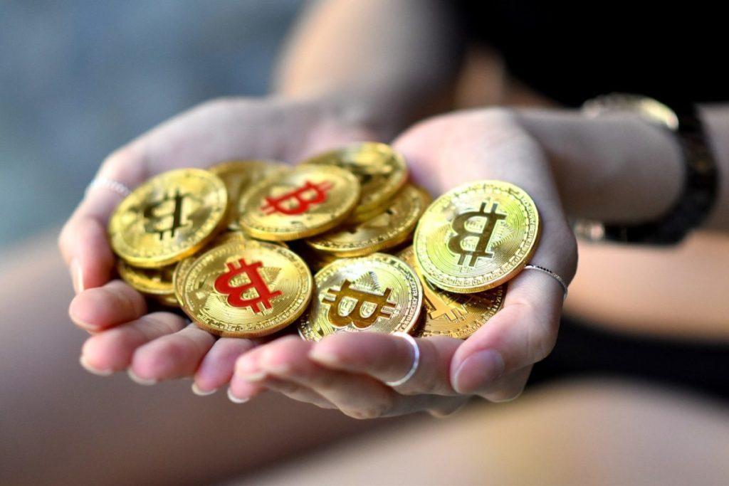giá bitcoin: Khối lượng giao dịch phái sinh Bitcoin giảm mạnh trong tháng 4, liệu sau halving có thể tăng trở lại?