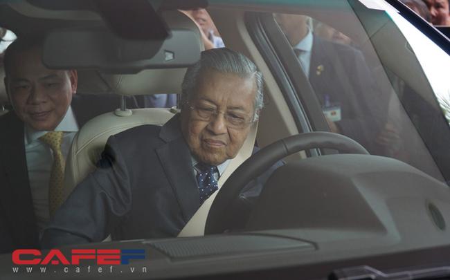 giá bitcoin: Chủ tịch Vingroup tiết lộ tốc độ gây sốc của Thủ tướng 94 tuổi lái xe Vinfast: 120 km/h