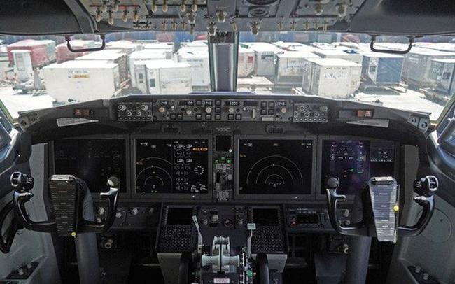 giá bitcoin: Bloomberg: Boeing từng sa thải hàng loạt kỹ sư cao cấp và thuê ngoài lao động bán thời gian với lương chỉ 9 USD/giờ để viết phần mềm dòng 737 Max