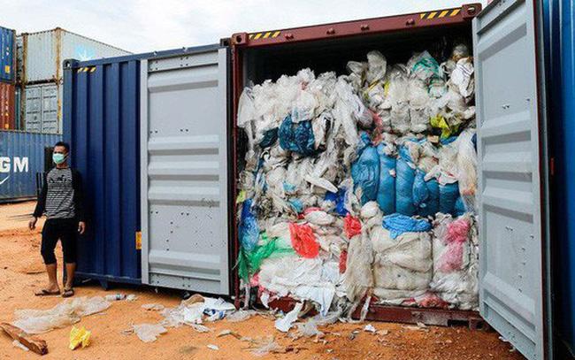 giá bitcoin: Indonesia siết nhập khẩu rác thải từ các nước giàu