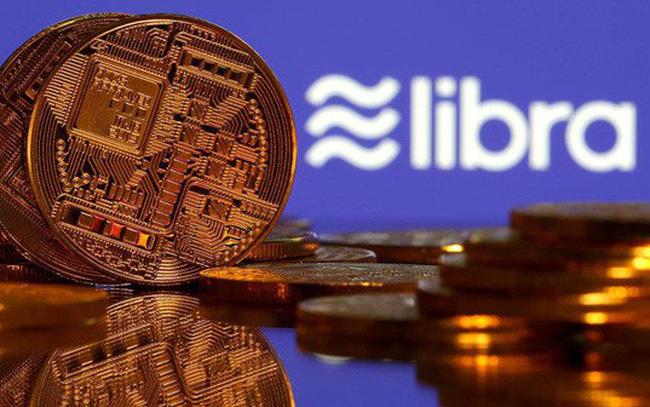 giá bitcoin: Chủ tịch FED kêu gọi Facebook tạm dừng dự án tiền ảo