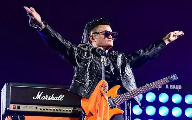giá bitcoin: Jack Ma hát rock và khóc trong ngày từ chức chủ tịch Alibaba
