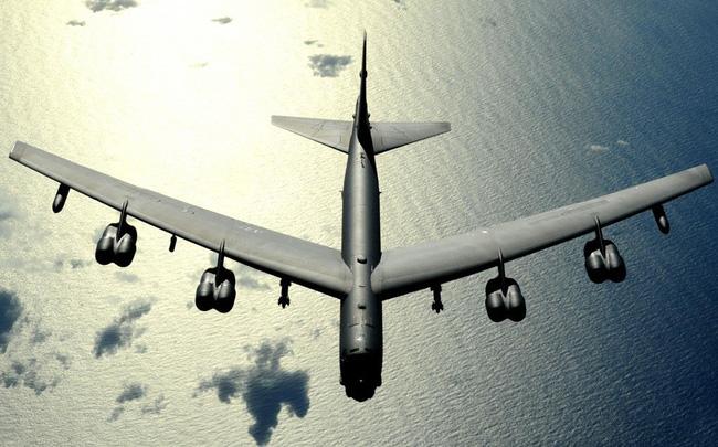 giá bitcoin: Báo Mỹ nói về sự hiện diện của 'pháo đài bay' B-52 gần căn cứ tàu ngầm Nga