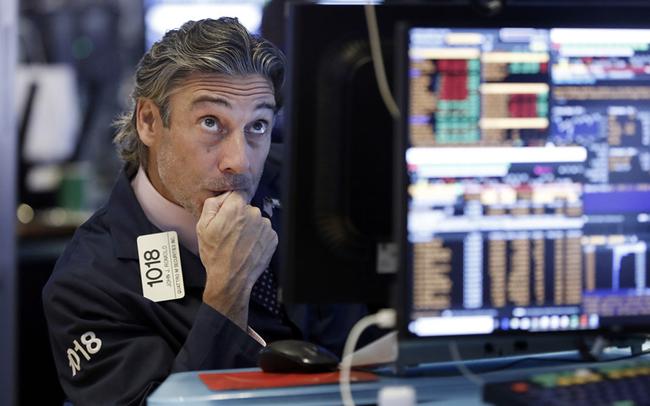 giá bitcoin: Căng thẳng Mỹ-Trung leo thang, Dow Jones mất đà tăng trong 3 phiên liên tiếp, rớt gần 150 điểm