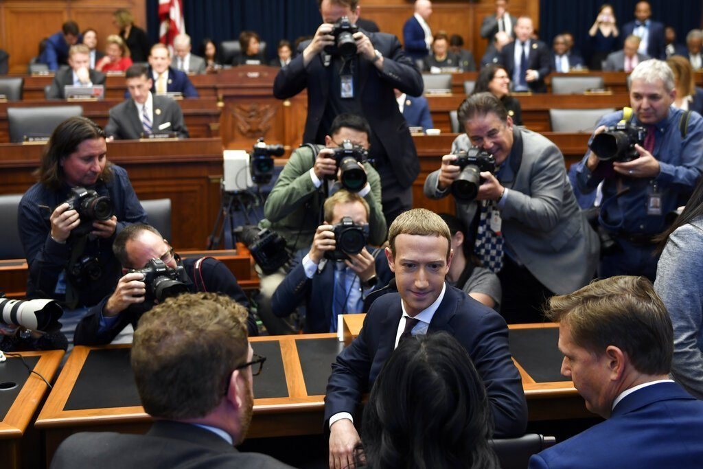 giá bitcoin: Điều trần Facebook và dự án Libra, Zuckerberg từ người khởi xướng thành kẻ phải rời cuộc chơi